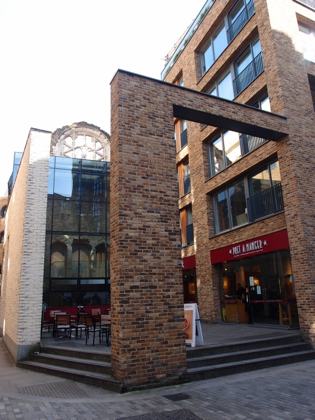 One of the many Pret-a-manger stores hidden around London