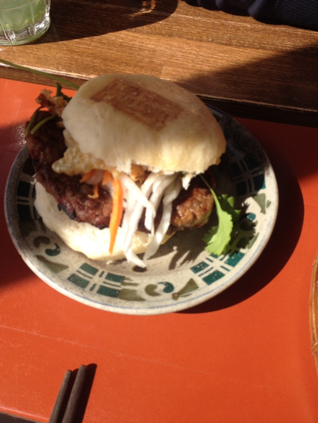THE District Mot burger