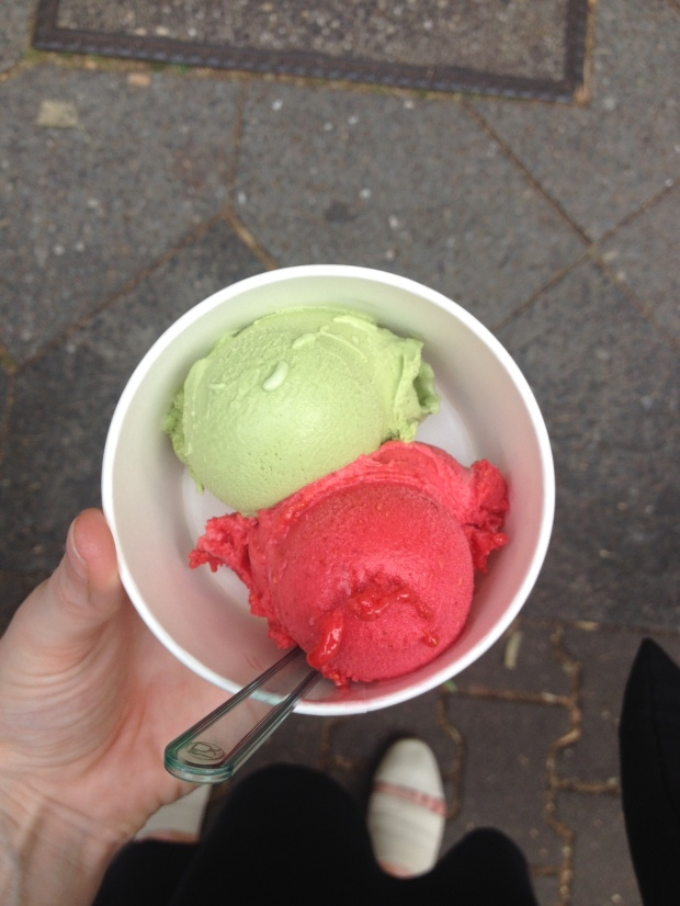 Eis Manufaktur two scoops. Strawberry & Green Tea.