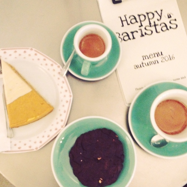 Espresso, vegan pumpkin pie & triple choc-peanut cookie
