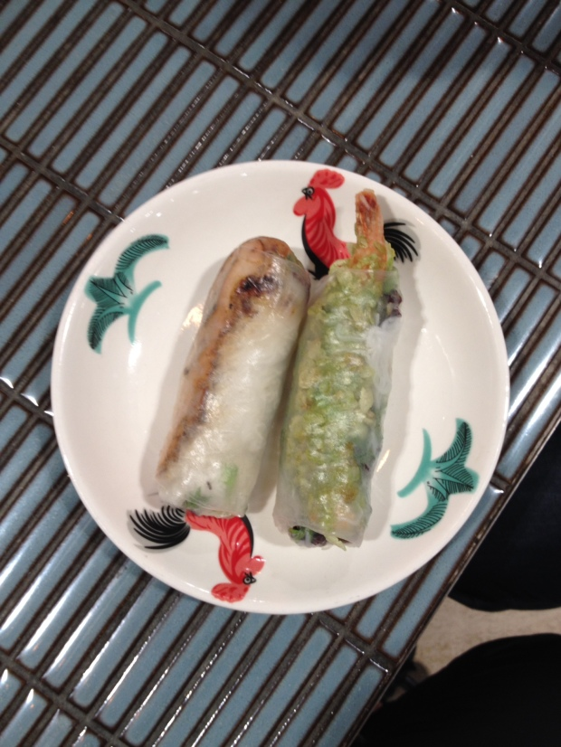 Phô nom rice paper rolls